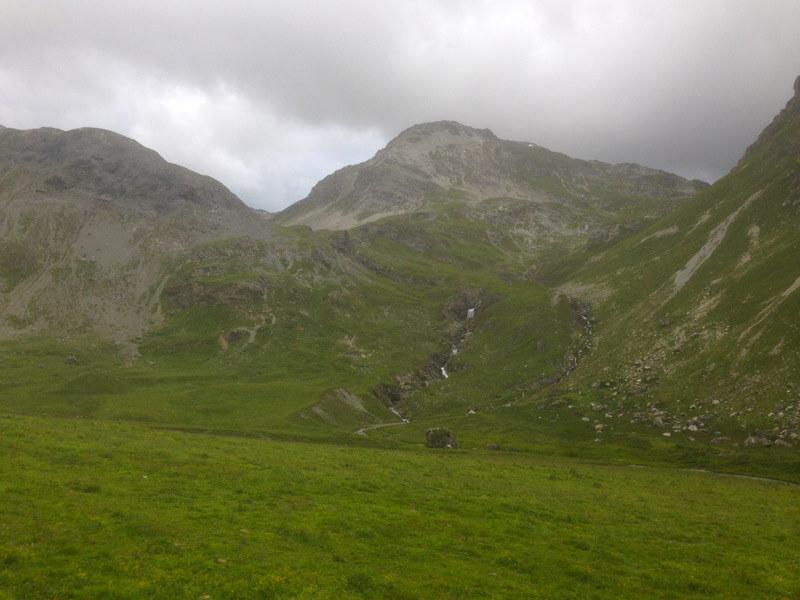 Die Landschaft am Schlinigpass