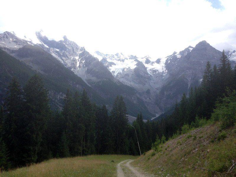 Abfahrt von der Ausblick von der Furkelhütte auf Forstwegen