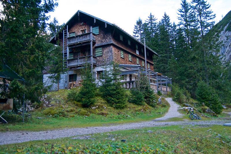 Geschafft: Die Reintalangerhütte