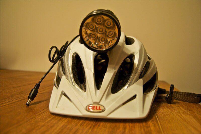 """Chinalampe"" auf dem Helm"