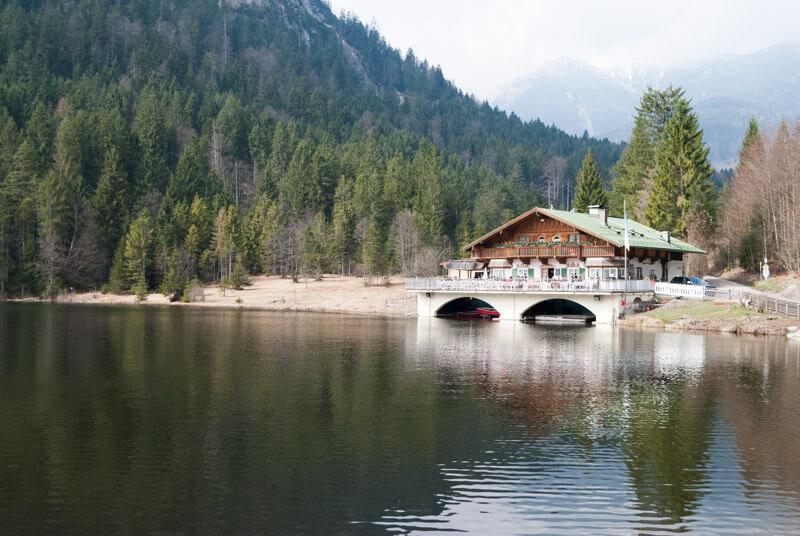Der Berggasthof am Pflegersee