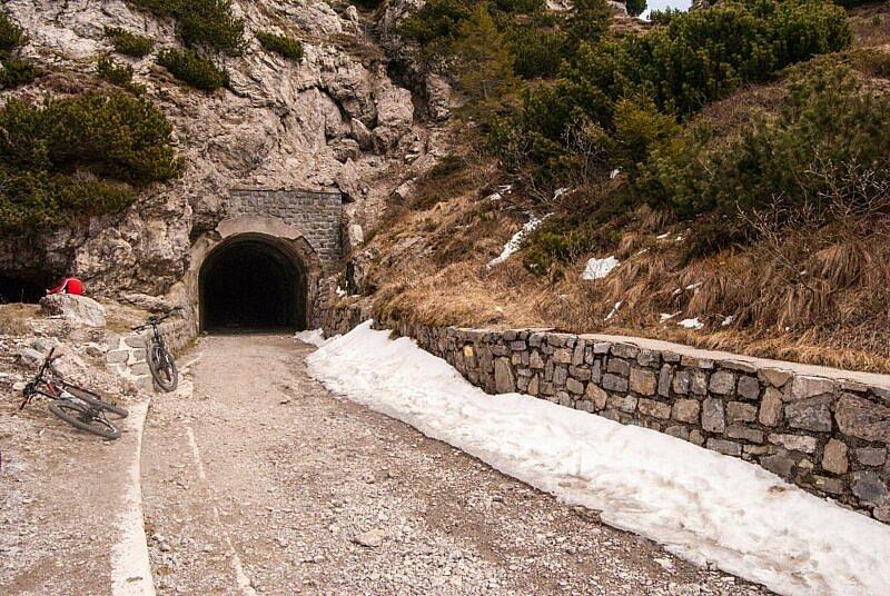Der Tunnel am Scheitel des Tremalzo