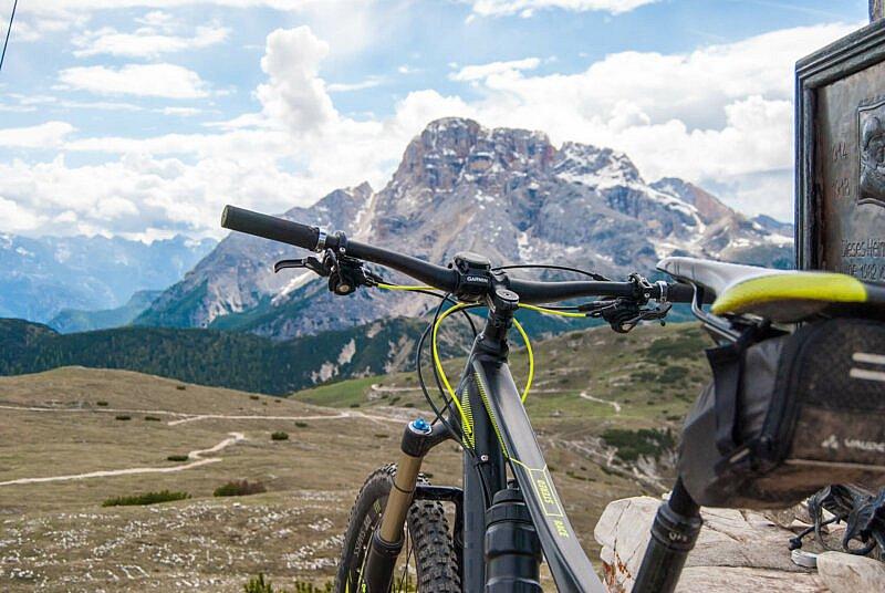 MIt dem Mountainbike am Gipfel