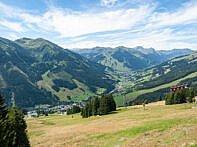 Weite Blicke auf die Kitzbühler Alpen