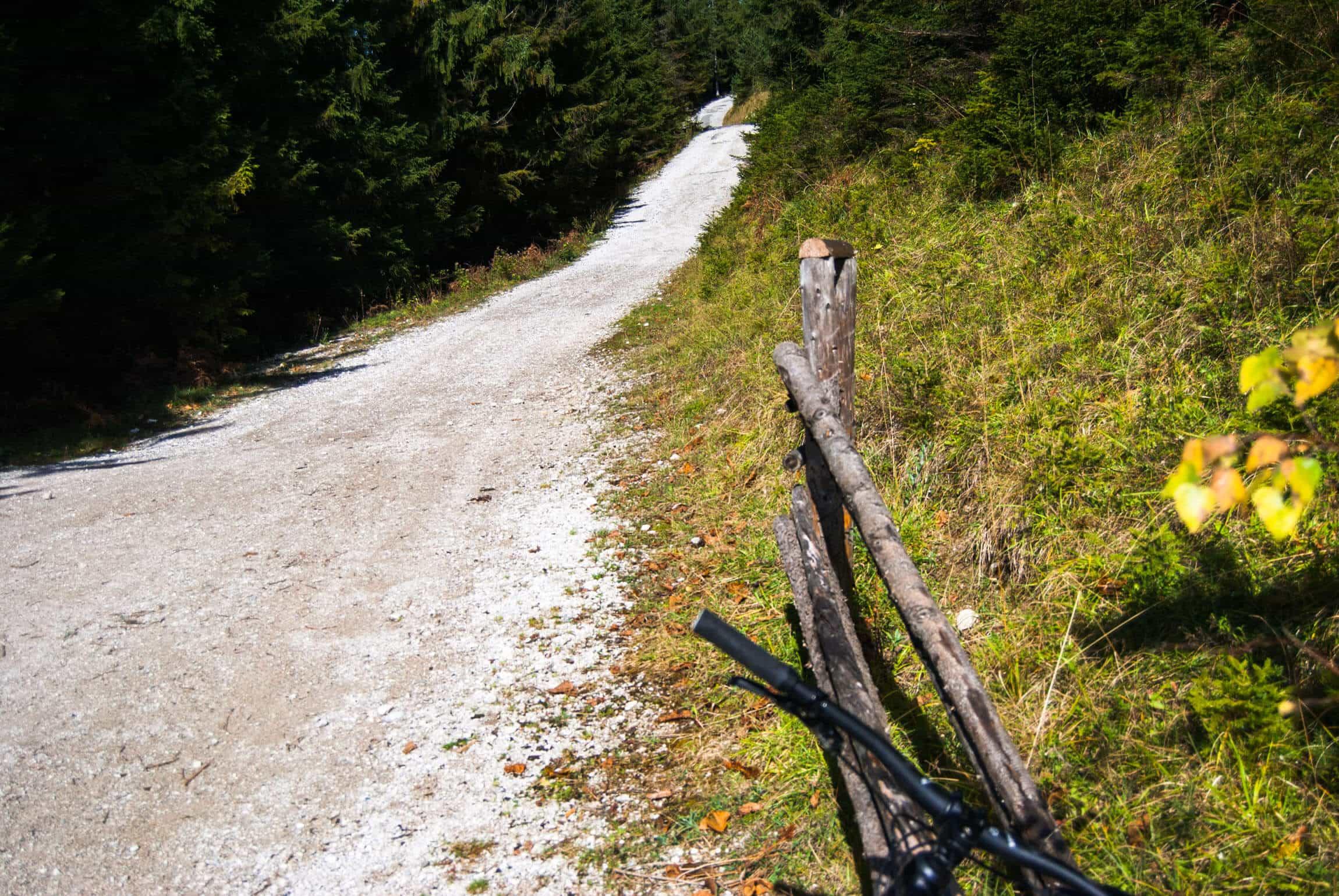 Steile Auffahrt zur Esterbergalm