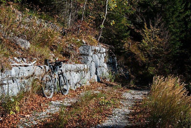 Steinige Auffahrt