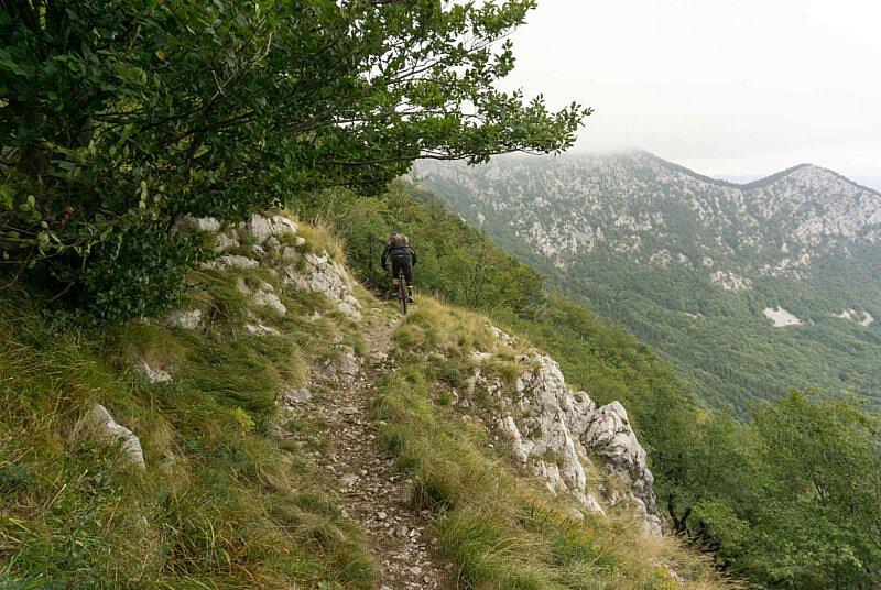Trail vom Nanos Plateau