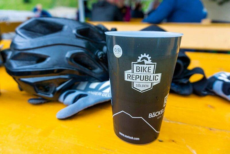 Bier in der Bike Republic Sölden